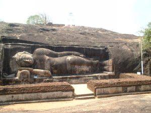 Reclining Buddha statue, Thanthirimale