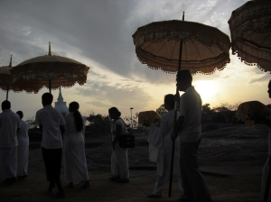 Atavisi buddha pooja procession at Thanthirimale